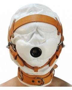 מסכת סאדו איכותית סגורה עם פתח לפה מבט מקדימה